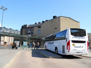 空港からはFINNAIRバスが便利!中央駅に横付けです。